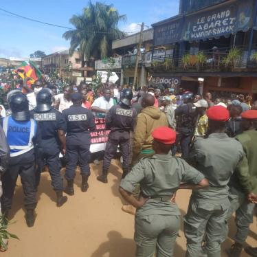 Demonstrators stopped by gendarmes and police in Bafang, West Cameroon, on September 22, 2020.