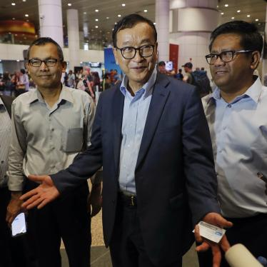 Sam Rainsy talks with media at Kuala Lumpur International Airport, Malaysia, November 9, 2019.