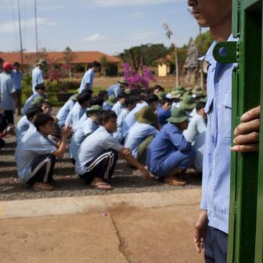 Vietnamese Drug Users Make A Break For Freedom