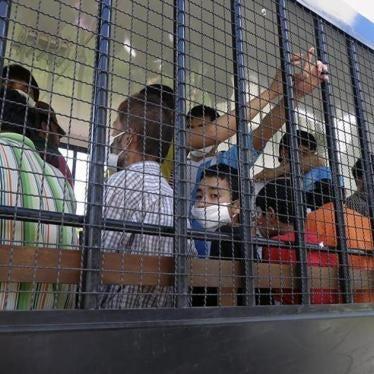 泰国:百名突厥族被强迫送往中国
