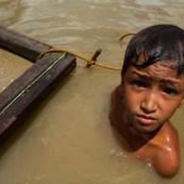 Filipinas: Los niños se juegan la vida en las minas de oro