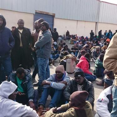 الأردن يرحّل طالبي لجوء سودانيين