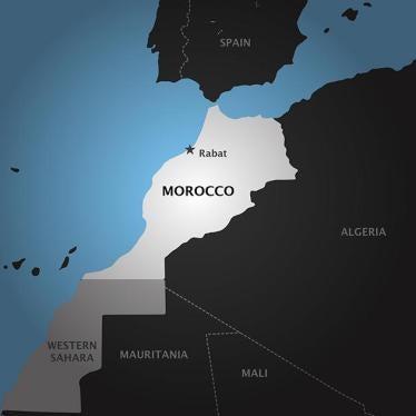 سجن رجلين مثليَين في المغرب