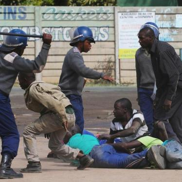 Dispatches: Zimbabwe Blocks Internet Amid Police Crackdown