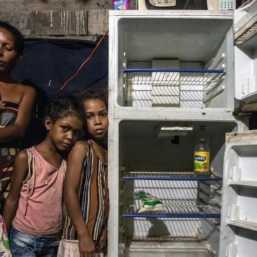 Venezuela: El gobierno arremete contra críticos mientras la crisis se profundiza