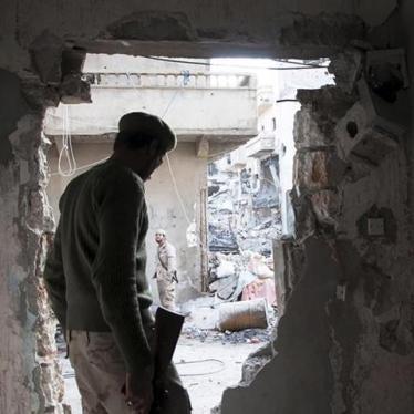 Libye : Crimes de guerre à l'encontre d'habitants de Benghazi fuyant les combats