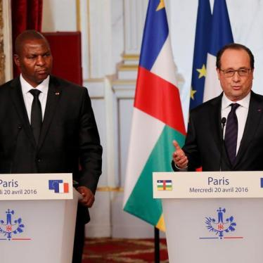 Central African Republic: Hollande Should Use Visit to Rebuild Trust and Pursue Justice - For All