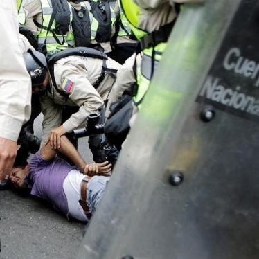 Venezuela: Disidentes denuncian torturas y confesiones forzadas