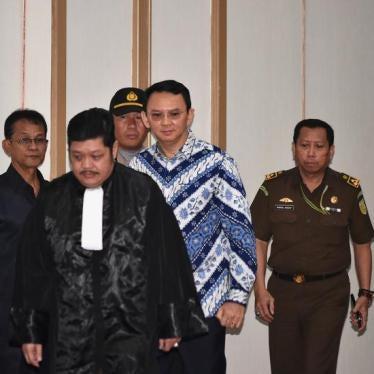 印尼雅加达省长被控亵渎宗教入狱