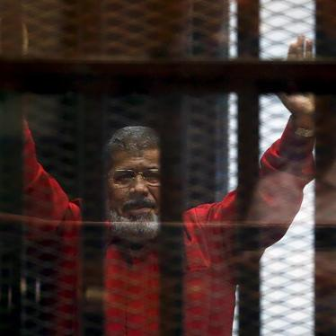 Egypt: Morsy's Isolation Violates Rights