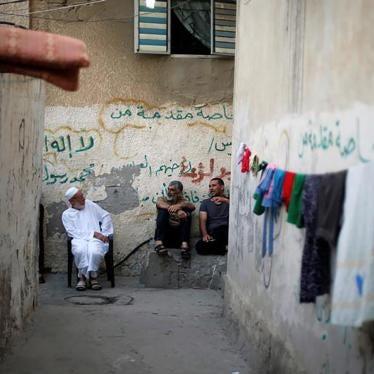 في غزة، نحصل على الكهرباء 4 ساعات في اليوم فقط – إذا كنا محظوظين