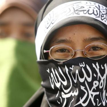 Indonesia's Ban of Islamist Group Undermines Rights