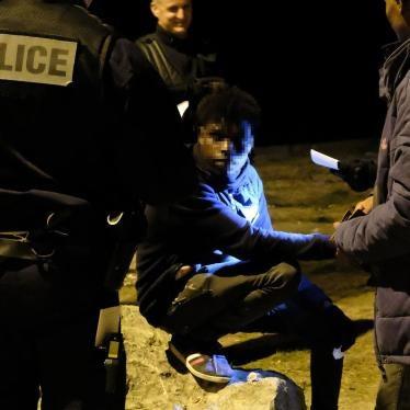 France : La police s'en prend aux migrants à Calais