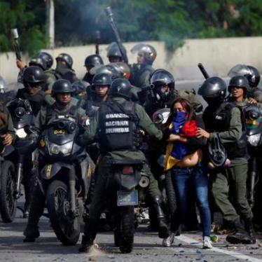 Venezuela implosiona. Estos ciudadanos tuvieron que huir desesperados.