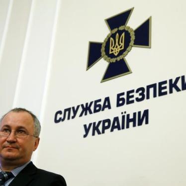 Украина: Иностранным журналистам отказывают во въезде или высылают их из страны