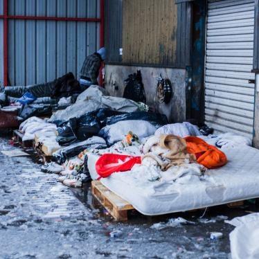 France : L'arrivée du froid met les migrants de Calais en danger