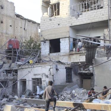 Syria/Russia: Airstrikes, Siege Killing Civilians