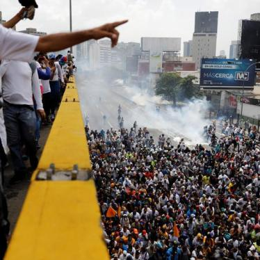 Thousands Protest Human Rights Crisis in Venezuela