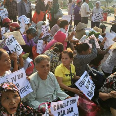 Vietnam: End Crackdown on Bloggers and Activists
