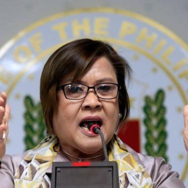 Philippines: Drop Political Charges against Duterte Critic