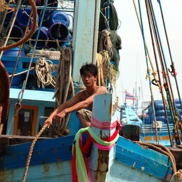 Thailand: Weiter Zwangsarbeit und Menschenhandel in Fischereiflotten