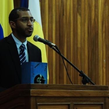 Venezuela: 2 Activists Held Despite Court Order