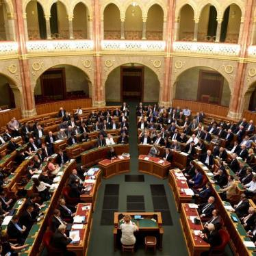 Hungary Tries to Stop Asylum Seekers With New Law