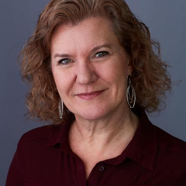 Jo Becker Headshot