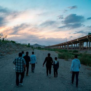 Immigrants attempt to enter the US between Ciudad Juarez, Mexico and El Paso