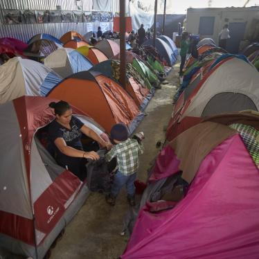 202004us_border_tents
